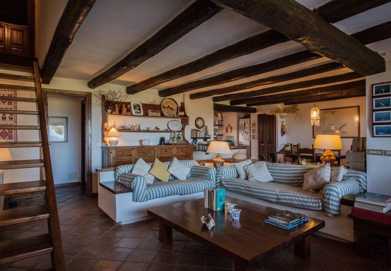 Villa a Porto San Paolo - Klodge | Villa Alberto: irripetibile vista su Tavolara, wifi, giardino