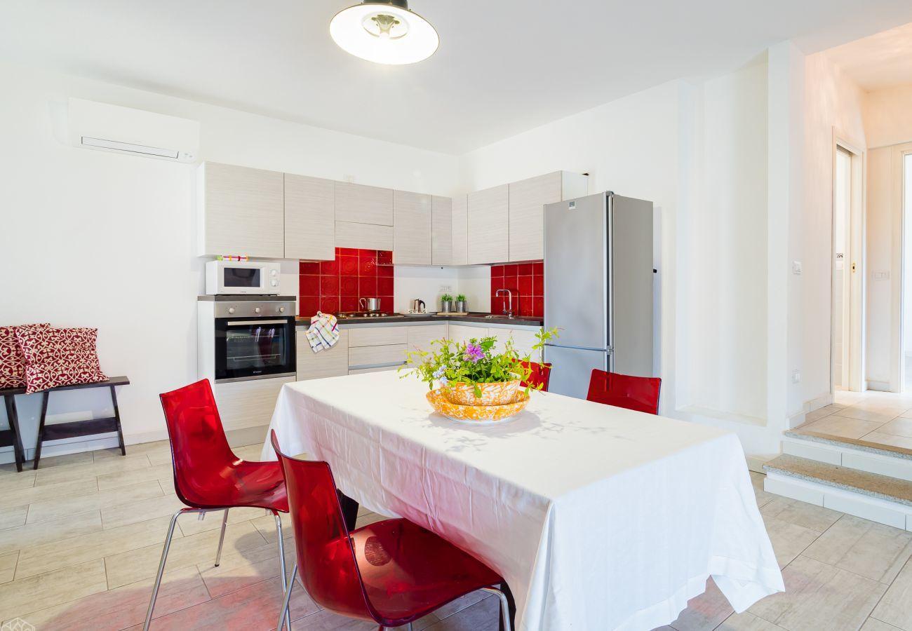 Villetta a Olbia - Klodge | Villetta Bianca: moderna villa per vacanza 8 posti, 400mt spiaggia