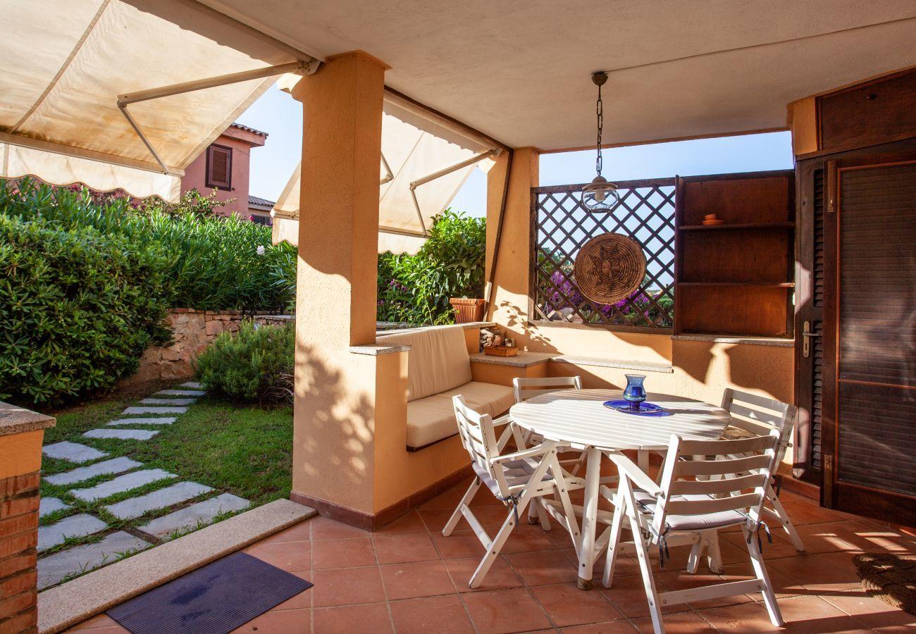 Appartamento a Golfo Aranci - Baia de Bahas Garden - 4 ospiti con spiaggia 50mt e ristorante | Klodge