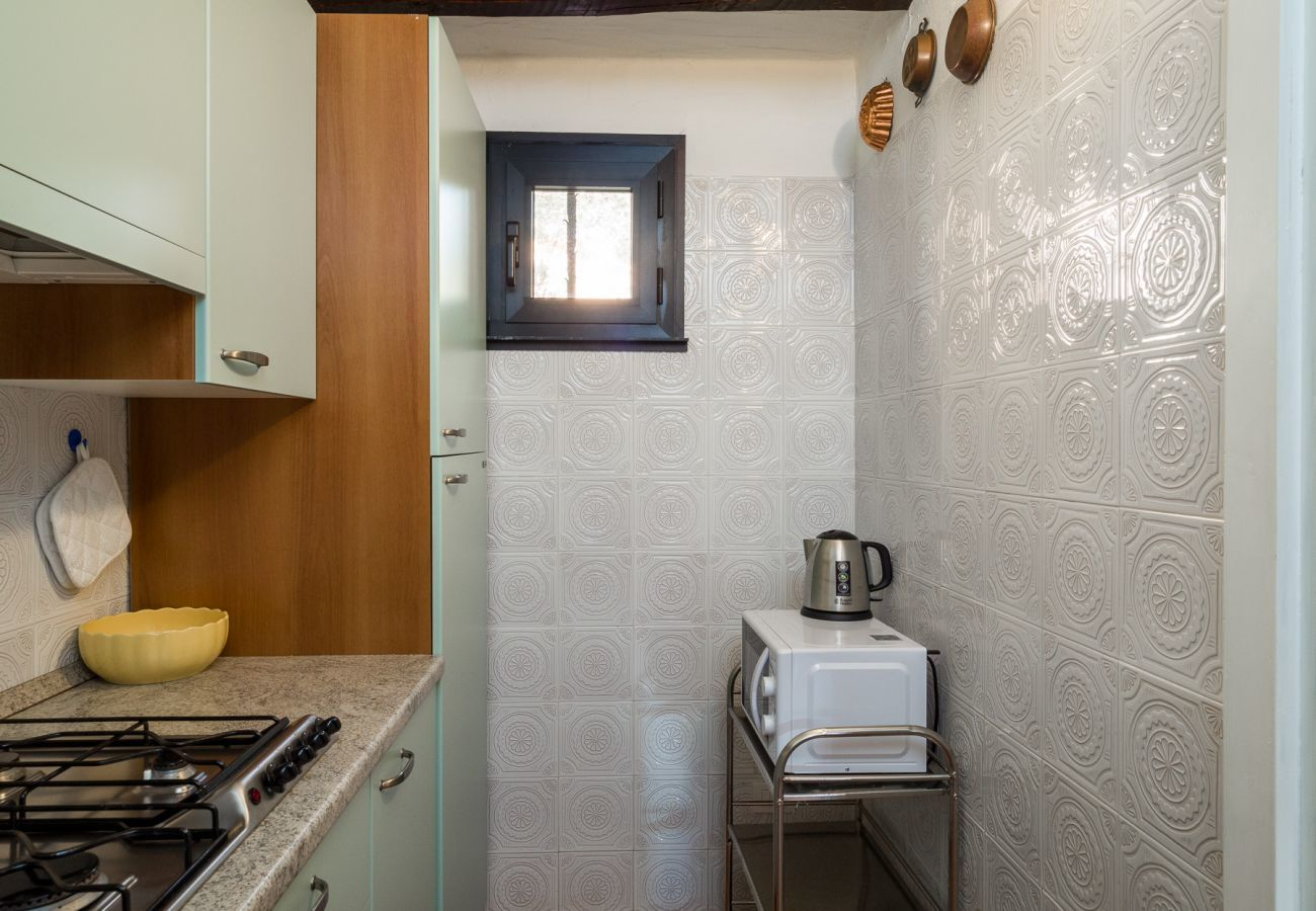 Appartamento a Porto Rotondo - Caletta 10: 4 ospiti, piscina, campo da tennis | Klodge