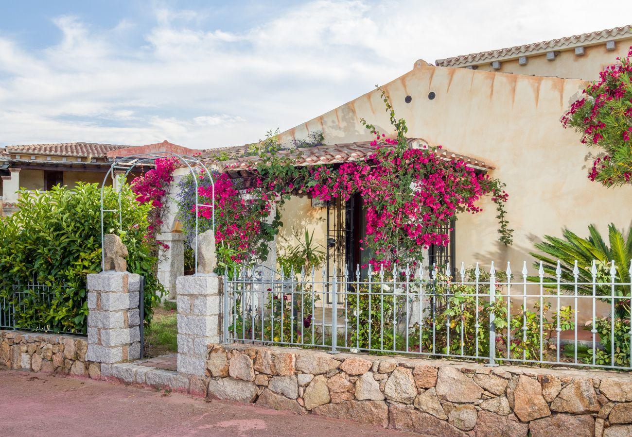 Villetta a San Teodoro - Villetta Niulakita: giardino, 5 min. spiaggia Lu Impostu    Klodge