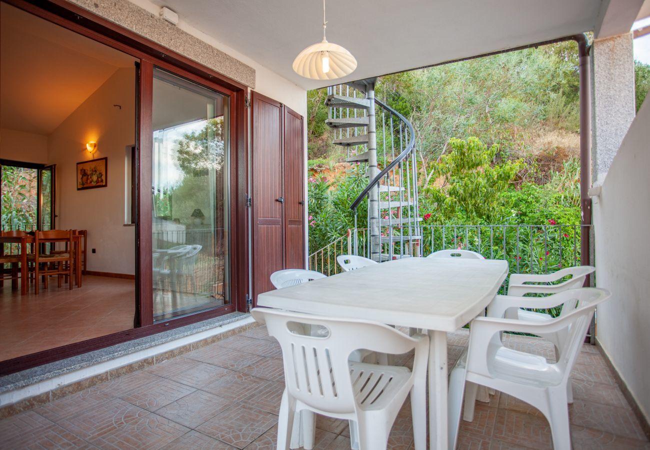 Appartamento a San Teodoro - La Ena - flat con vista panoramica , 5 min. Lu Impostu   Klodge