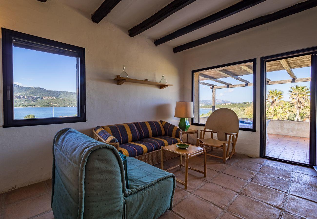 Appartamento a Porto Rotondo - Klodge | Caletta 16: 4 ospiti, piscina, campo da tennis
