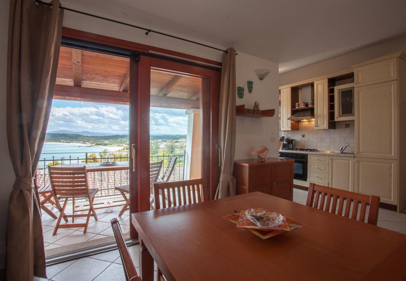 Ferienwohnung in Olbia - Maestrale Flat - Panoramablick, 150mt Pittulongu Strand  | Klodge
