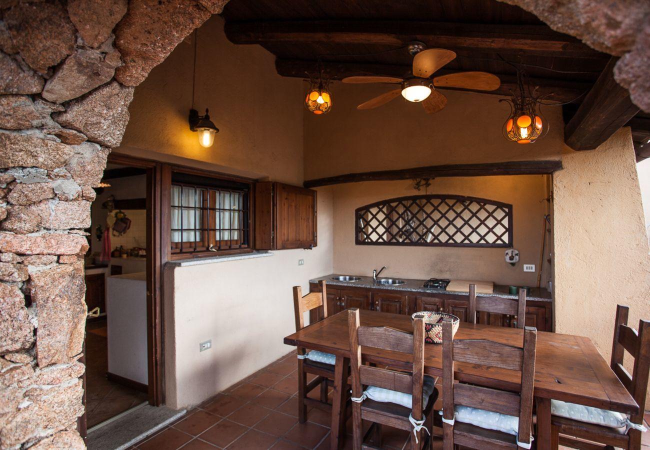 Villa in Porto San Paolo - Klodge   Villa Alberto: Einzigartige Aussicht auf Tavolara, WLAN, Garten