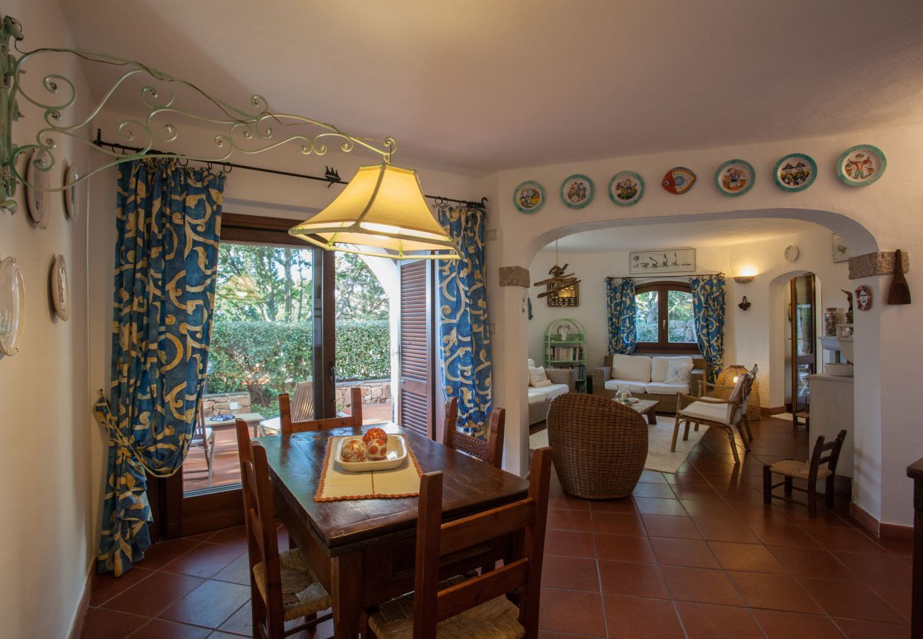 Villa in Porto Rotondo - Villa Sa Jaga: infinity-pool mit blick auf den sonnenuntergang in Porto Rotondo   Klodge