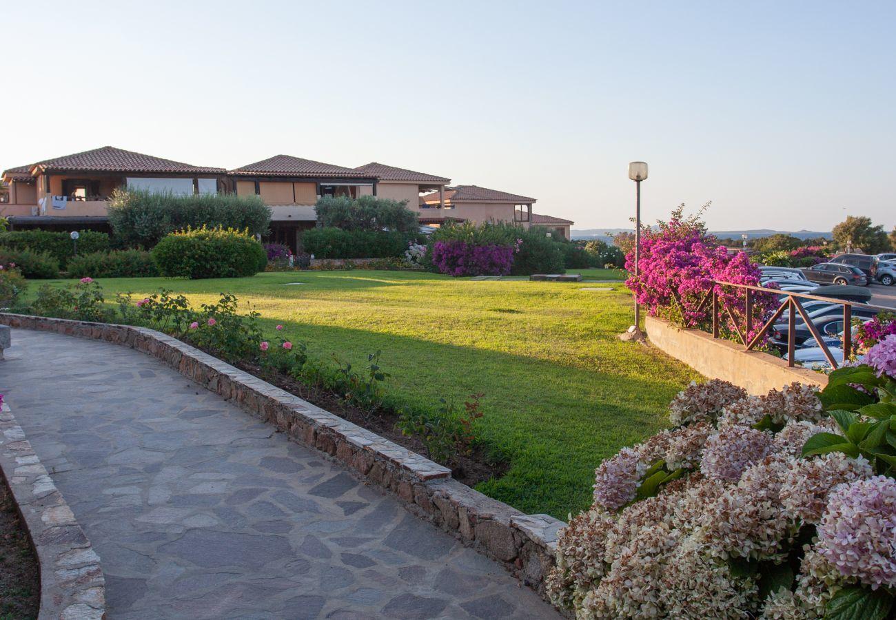 Ferienwohnung in Golfo Aranci - Baia de Bahas Garden - 4 Gäste, Strand 50mt and restaurant | Klodge