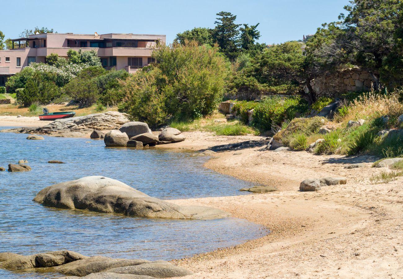 Ferienwohnung in Porto Rotondo - Caletta 10: 4 Gäste, Schwimmbad, Tennisplatz | Klodge