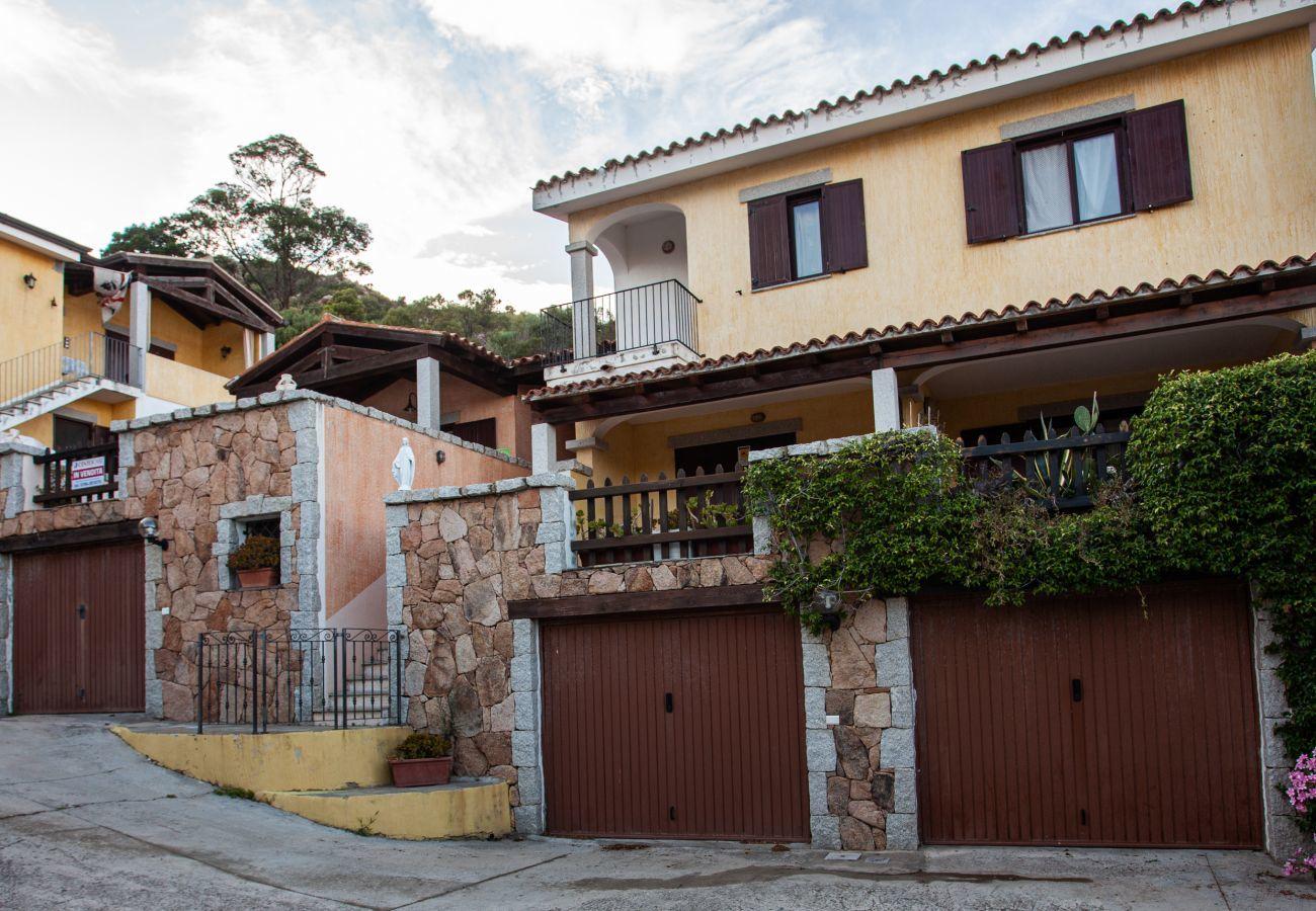 Ferienwohnung in San Teodoro - La Ena - Wohnung mit Panoramablick, 5 min. Lu Impostu | Klodge
