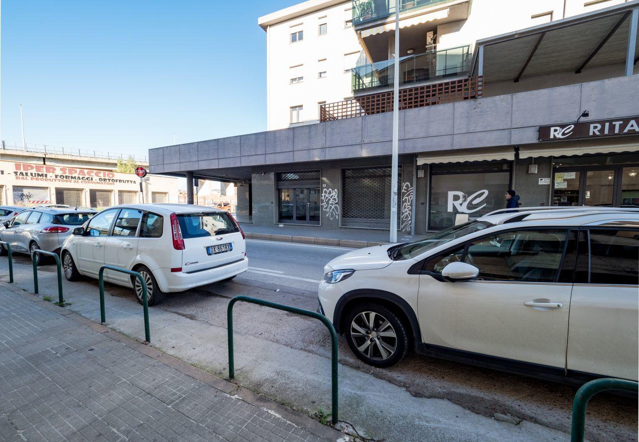 Lokal in Olbia - Gewerbefläche Olbia, 3 Fenster, zur Hauptstraße