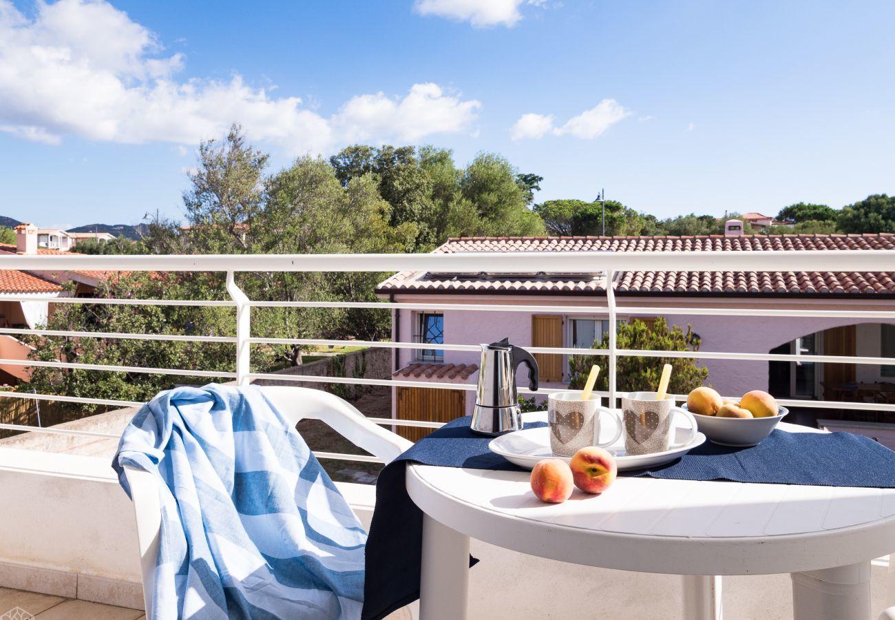 Chalet in Olbia - Klodge   Villetta Bianca: modern holiday villa 8 sleeps, 400mt beach