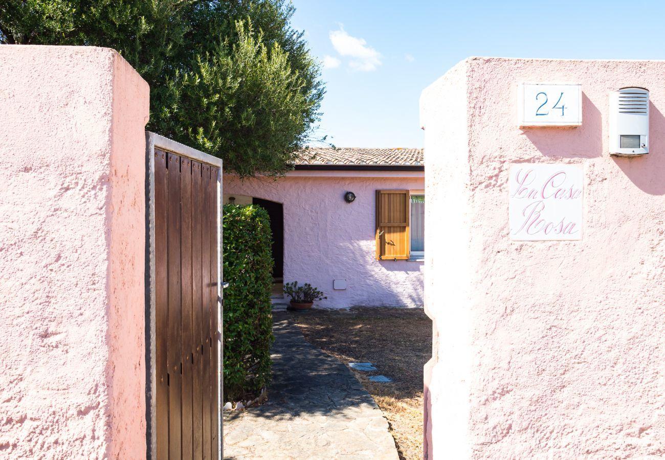 Chalet à Olbia - Klodge   Villetta Bianca: villa de vacances moderne 8 personnes, plage à 400m