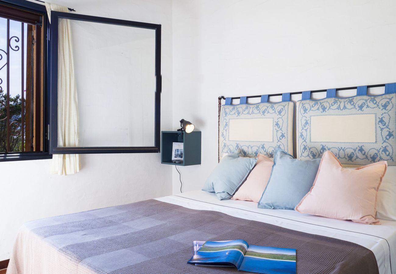 Appartement à Porto Rotondo - Caletta 10: 4 personnes, piscine, court de tennis | Klodge